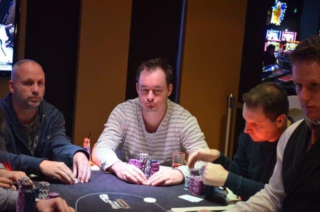 http://www.pokercity.nl//uploads/lrFoto/event1278/DSC_0009.JPG