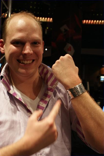 http://www.pokercity.nl/uploads/lrFoto/DSC03678.JPG