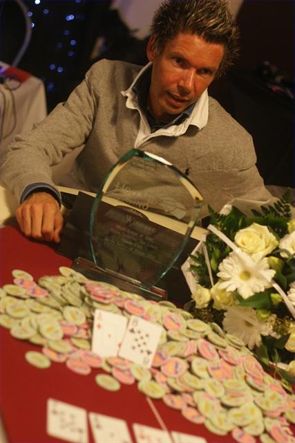 http://www.pokercity.nl/uploads/lrFoto/DSC04804.JPG