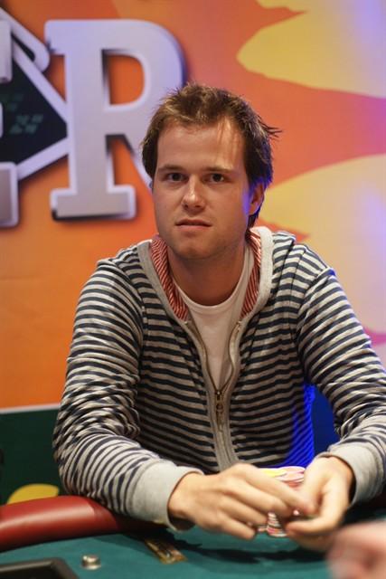 http://www.pokercity.nl/uploads/lrFoto/DSC07363.JPG