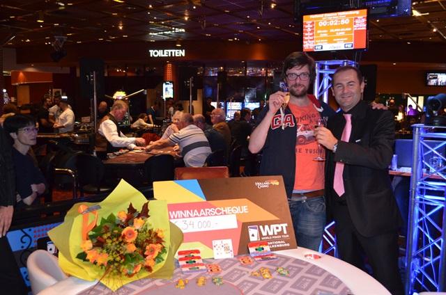 http://www.pokercity.nl/uploads/lrFoto/event1027/win8.JPG