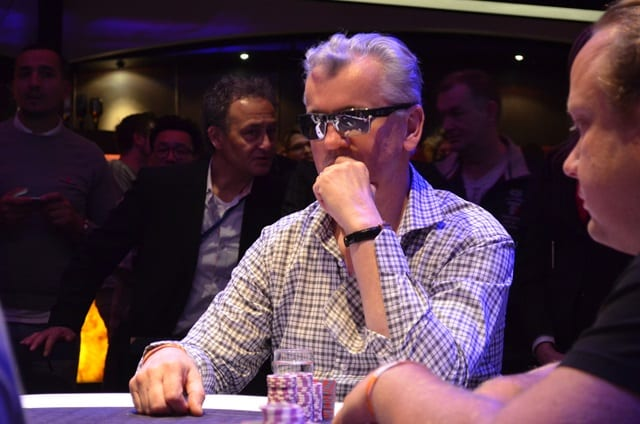 http://www.pokercity.nl/uploads/lrFoto/event1045/DSC_0282.JPG