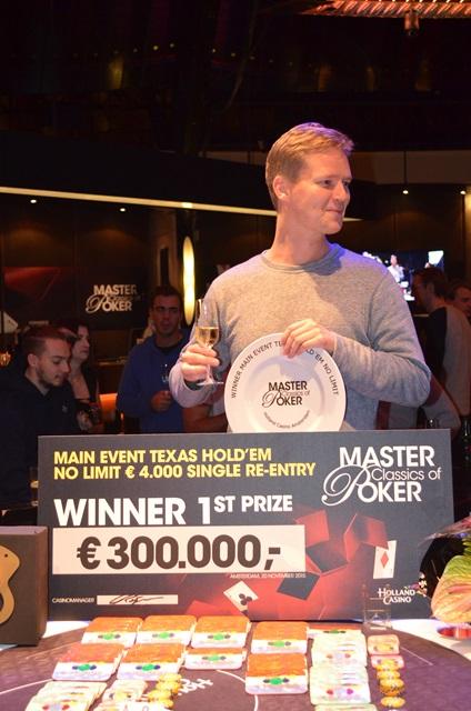http://www.pokercity.nl/uploads/lrFoto/event1049/DSC_0064.JPG