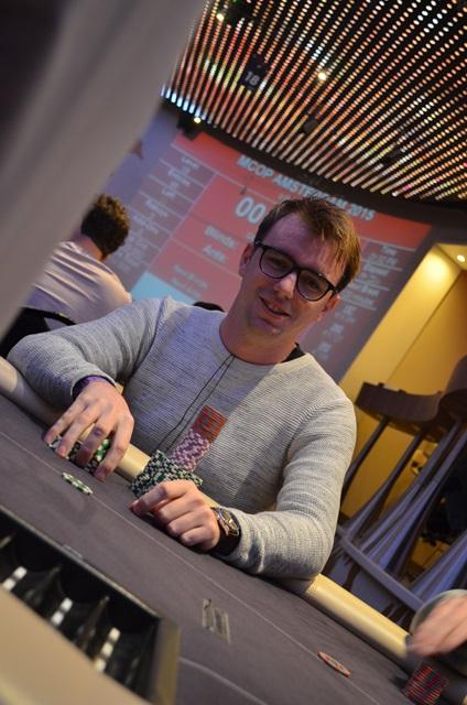 http://www.pokercity.nl/uploads/lrFoto/event1051/DSC_0418.JPG