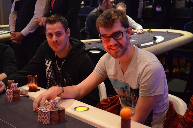 http://www.pokercity.nl/uploads/lrFoto/event1053/DSC_0012.JPG