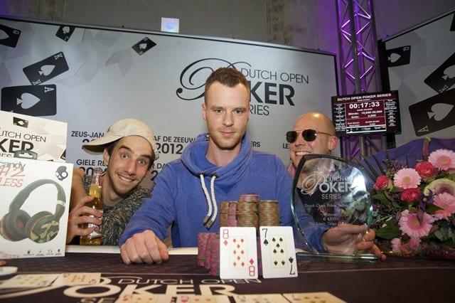 http://www.pokercity.nl/uploads/lrFoto/event1208/winnaar2.jpg