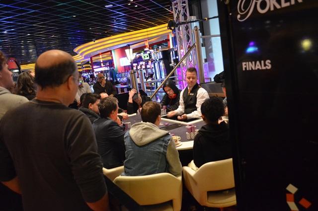 http://www.pokercity.nl/uploads/lrFoto/event1217/DSC_0088.JPG