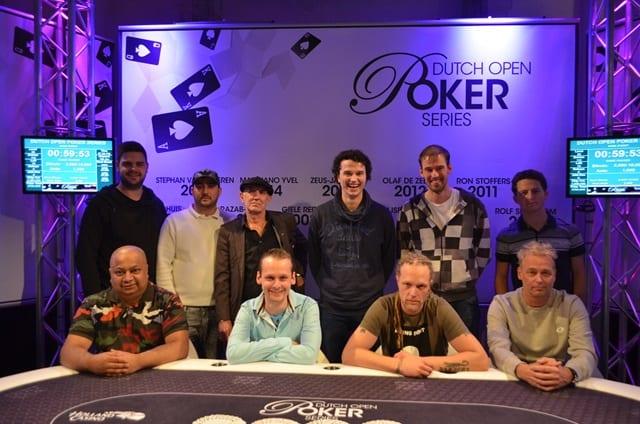 http://www.pokercity.nl/uploads/lrFoto/event1433/DSC_0309.JPG
