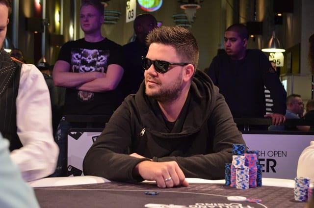 http://www.pokercity.nl/uploads/lrFoto/event1433/DSC_0356.JPG