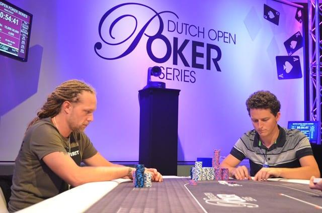 http://www.pokercity.nl/uploads/lrFoto/event1433/DSC_0406.JPG