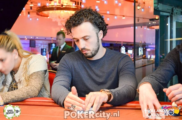 http://www.pokercity.nl/uploads/lrFoto/event1456/DSC_0443.jpg