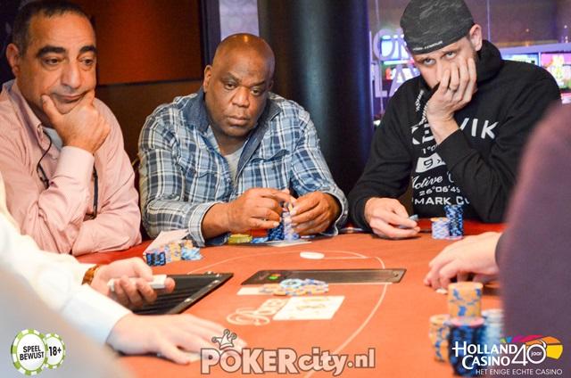 http://www.pokercity.nl/uploads/lrFoto/event1458/DSC_0093.jpg