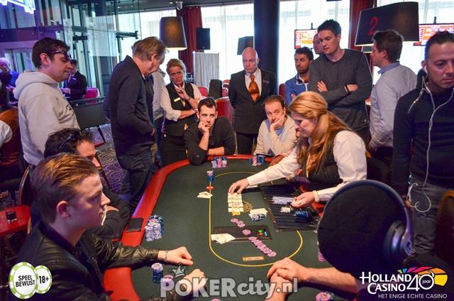 http://www.pokercity.nl/uploads/lrFoto/event1459/DSC_0144.jpg