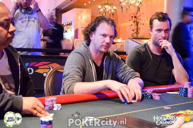 http://www.pokercity.nl/uploads/lrFoto/event1459/DSC_0191.jpg