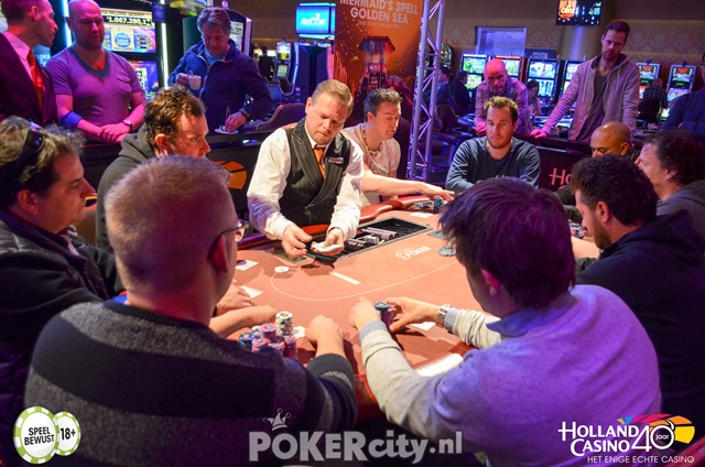http://www.pokercity.nl/uploads/lrFoto/event1459/DSC_0213.jpg