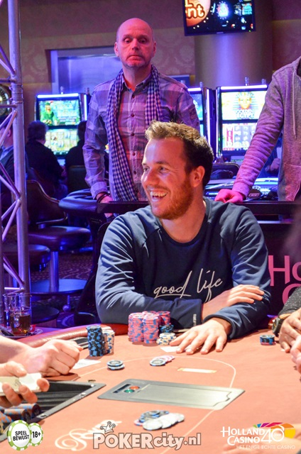 http://www.pokercity.nl/uploads/lrFoto/event1459/DSC_0214.jpg