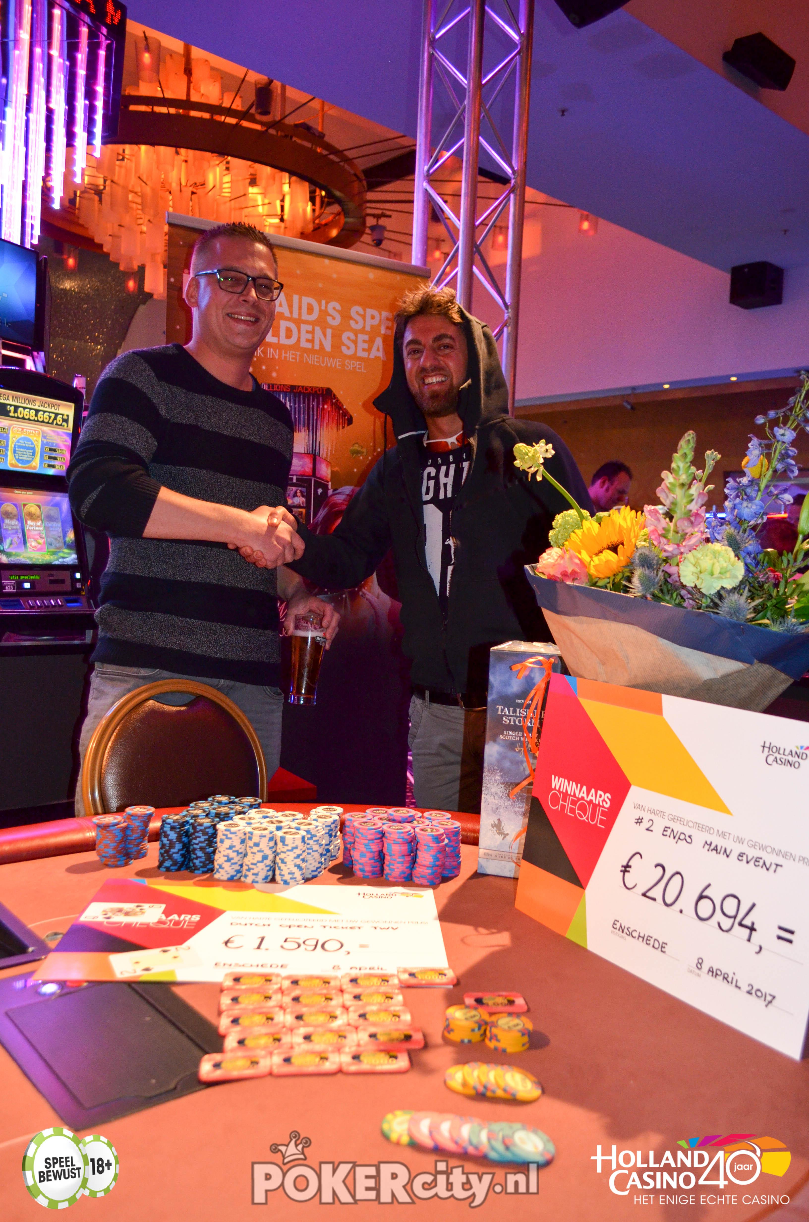 http://www.pokercity.nl/uploads/lrFoto/event1459/DSC_0250.jpg