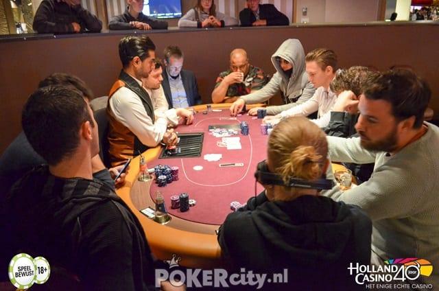 http://www.pokercity.nl/uploads/lrFoto/event1463/DSC_0004-2.jpg