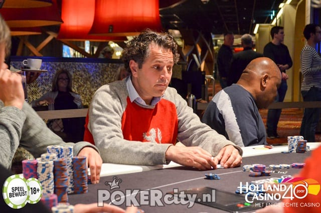 http://www.pokercity.nl/uploads/lrFoto/event1471/DSC_0261.jpg