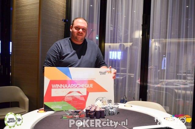 http://www.pokercity.nl/uploads/lrFoto/event1471/DSC_0301.jpg