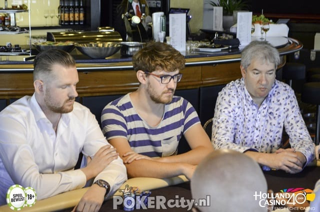 http://www.pokercity.nl/uploads/lrFoto/event1488/DSC_0014-2.jpg
