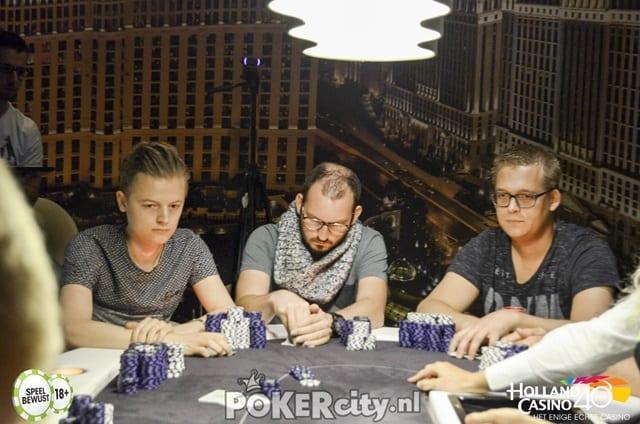 http://www.pokercity.nl/uploads/lrFoto/event1493/DSC_0102-3.jpg