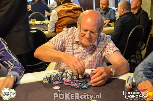 http://www.pokercity.nl/uploads/lrFoto/event1498/DSC_0274.jpg