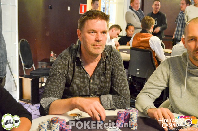 http://www.pokercity.nl/uploads/lrFoto/event1498/DSC_0283.jpg