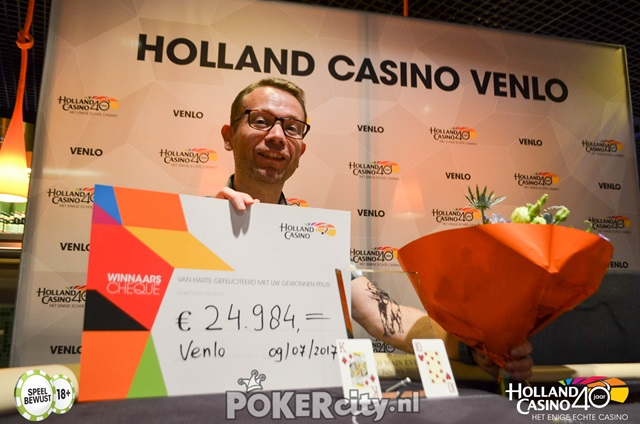 http://www.pokercity.nl/uploads/lrFoto/event1502/DSC_0064.jpg