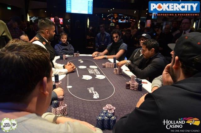 http://www.pokercity.nl/uploads/lrFoto/event1561/DSC_0521.jpg