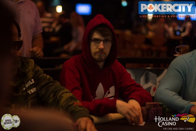 http://www.pokercity.nl/uploads/lrFoto/event1567/IMG_1768.jpg