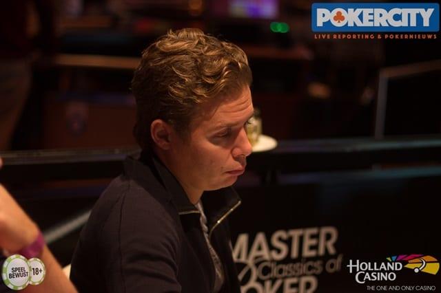 http://www.pokercity.nl/uploads/lrFoto/event1567/IMG_1830.jpg