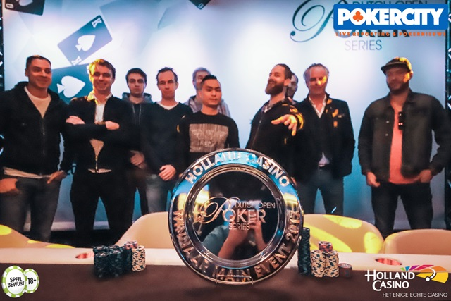 http://www.pokercity.nl/uploads/lrFoto/event1575/IMG_0274%20copy.jpg