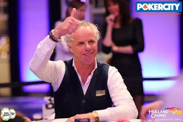 http://www.pokercity.nl/uploads/lrFoto/event1575/IMG_0458.jpg