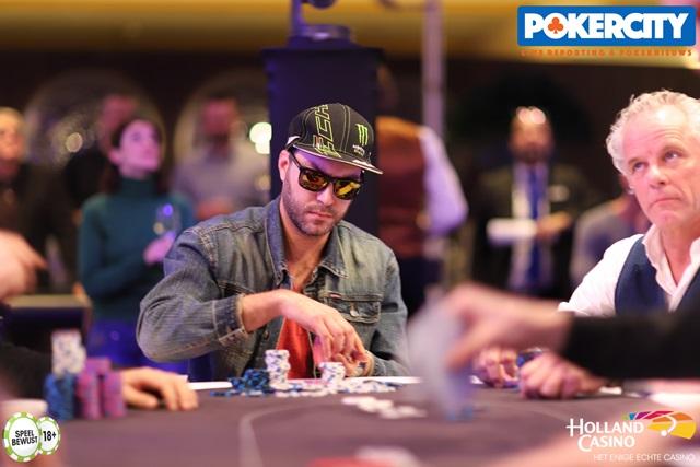 http://www.pokercity.nl/uploads/lrFoto/event1575/IMG_0537.jpg