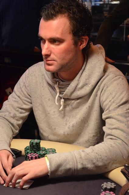 http://www.pokercity.nl/uploads/lrFoto/event763/DSC_0418.JPG