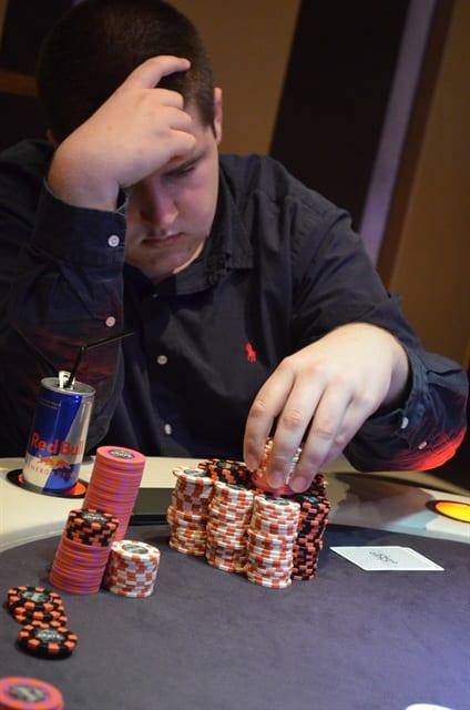 http://www.pokercity.nl/uploads/lrFoto/event804/DSC_9594.JPG