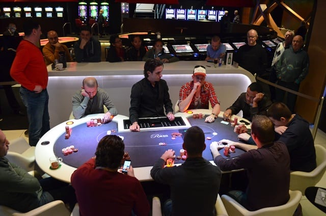 http://www.pokercity.nl/uploads/lrFoto/event804/DSC_9600.JPG