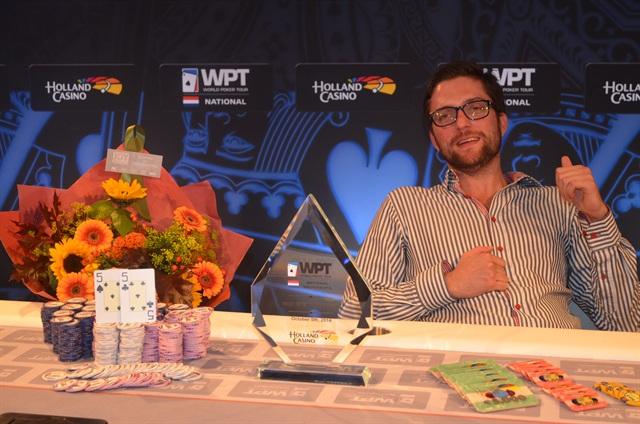 http://www.pokercity.nl/uploads/lrFoto/event914/DSC_0634.JPG