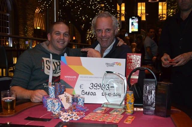 http://www.pokercity.nl/uploads/lrFoto/event924/DSC_0125.JPG