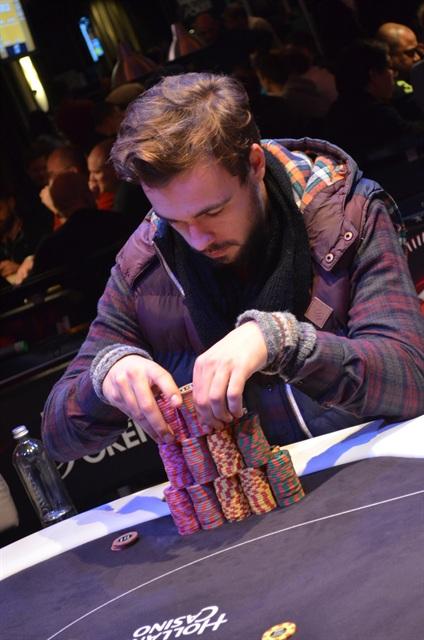 http://www.pokercity.nl/uploads/lrFoto/event942/DSC_0881.JPG