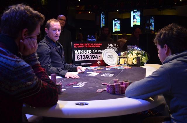 http://www.pokercity.nl/uploads/lrFoto/event942/DSC_0929.JPG