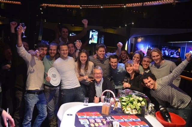 http://www.pokercity.nl/uploads/lrFoto/event945/DSC_0672.JPG