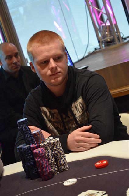 http://www.pokercity.nl/uploads/lrFoto/event975/DSC_0162.JPG