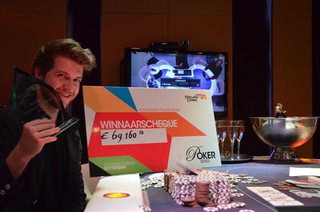 http://www.pokercity.nl/uploads/lrFoto/event989/DSC_0161.JPG